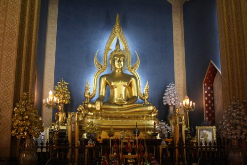 This radiant Buddha shows what the low light prime lenses can do. Picture taken in Bangkok on Dec. 5, 2015.